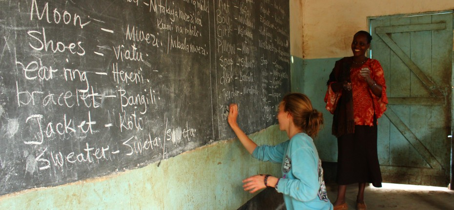 High-School-Volunteer-Africa-Tanzania-Teaching