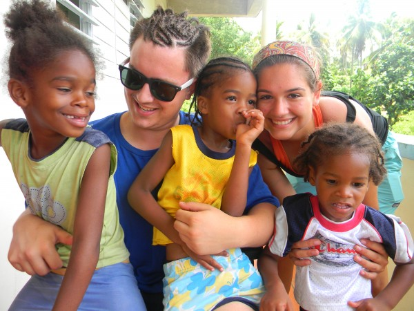 Students Volunteering in the Caribbean