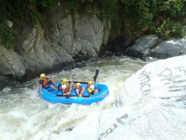 With professional guides, make your way down the Río Yaque del Norte together as a group.