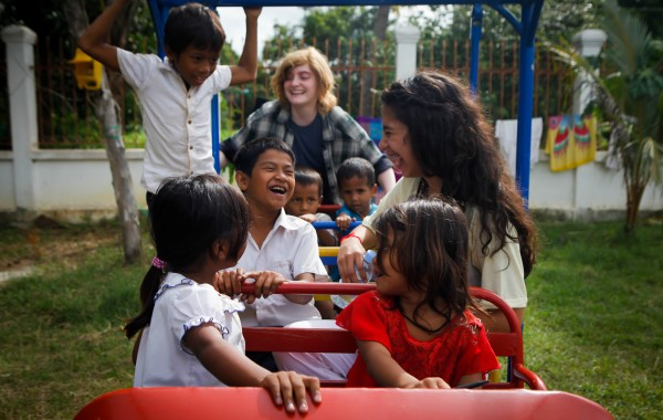 Teens Volunteering in Cambodia, Southeast Asia