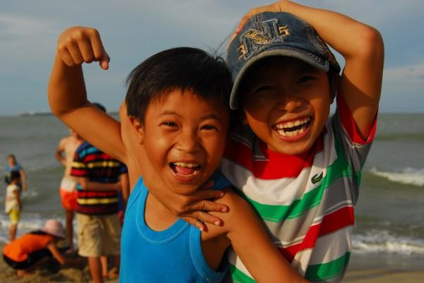 Vietnamese children Summer Community Service Trip