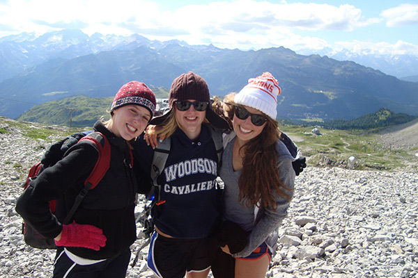 Students hike in the French Alps on our cultural exploration program in Switzerland, Italy, France, and Holland