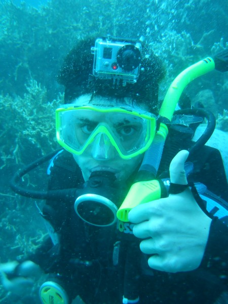 High School Student Snorkeling in Fiji on a Summer Program Abroad
