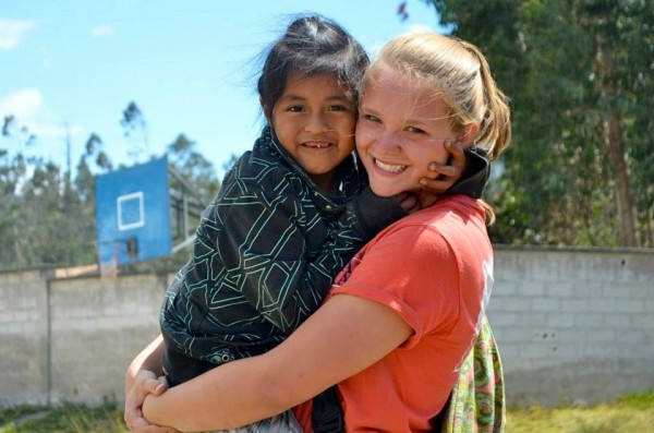 high school volunteer in ecuador south america