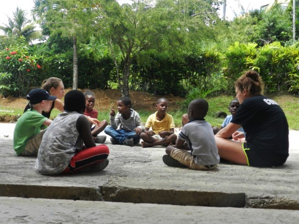 volunteer-community-service-dominica